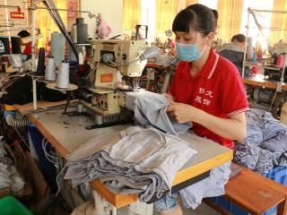 浦北县:创建就业扶贫车间  带动脱贫致富增收