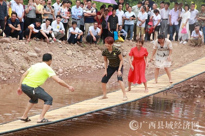 宁明县:峙浪乡派台村文化旅游歌坡节活动精彩纷呈