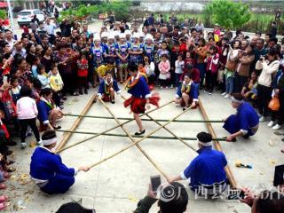"""平桂区首届""""小凉河""""长寿文化节小记:壮族""""三月三""""狂欢嘉年华"""