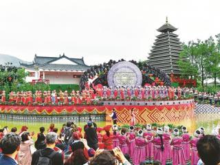 """桂风壮韵""""三月三"""" 文旅相融促发展"""