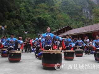 南丹县:三月三假日期间旅游市场持续火热