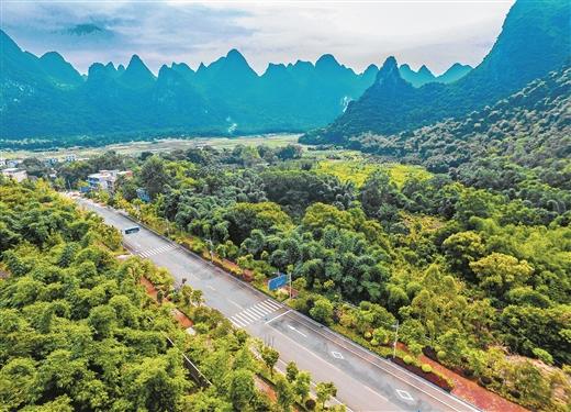 桂林市交通运输发展成就综述:山水通大道 坦途奔小康