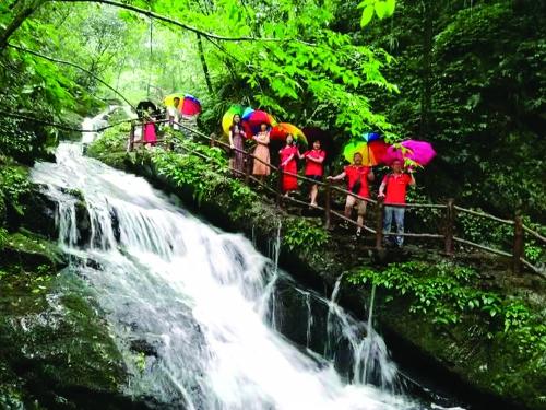 临桂区:旅游文化事业全面开花结果大放异彩