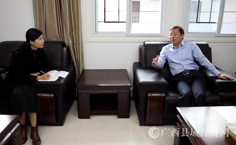 平桂区:深入脱贫攻坚一线开展主题教育采访活动