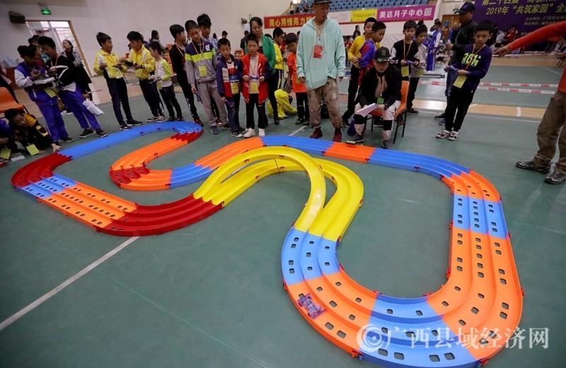 全国青少年车辆建筑模型教育竞赛广西选拔赛在融安县举行