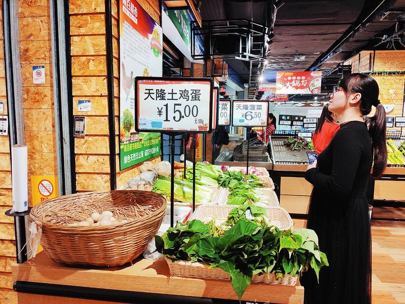 隆安县:天隆村农家土货走俏邕城
