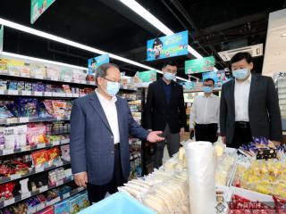 鹿心社在南宁调研促消费稳增长工作