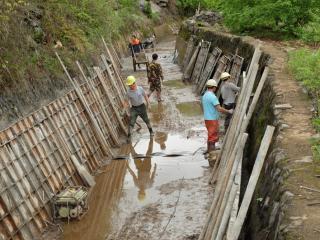 恭城:春耕关键期,灌溉施工加班加点抢工时