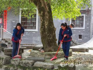 环江:清洁乡村  抗疫爱卫