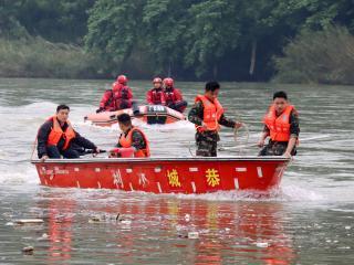 恭城县开展水上救援综合演练