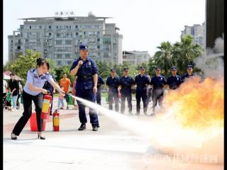 融安县:开展防灾减灾知识宣传进社区活动