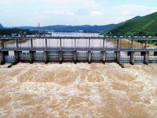 广西融安:洪峰过境融江
