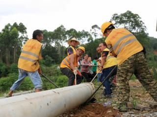 融安县:贫困劳动力参与重大项目建设