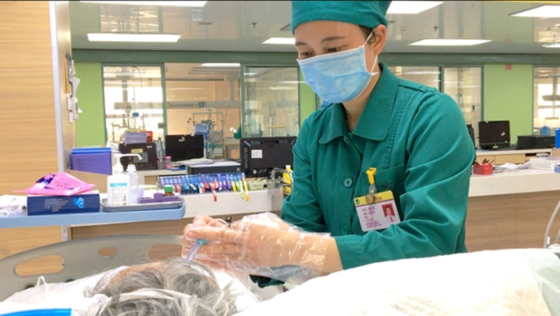 """梧州市红十字会医院陈如均:武汉方舱医院里的""""最美党员"""""""