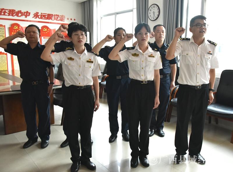 """爱店海关挂牌成立一周年小记:""""小口岸""""做强""""大贸易"""""""