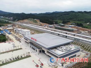广西最大的县级火车站――融安火车站正式开通使用