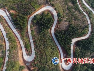 """融水县:打通""""最后几公里""""铺就群众幸福路"""