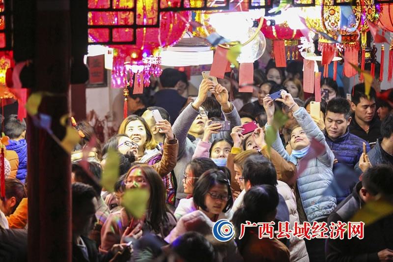 非遗图集:富川上灯炸龙节