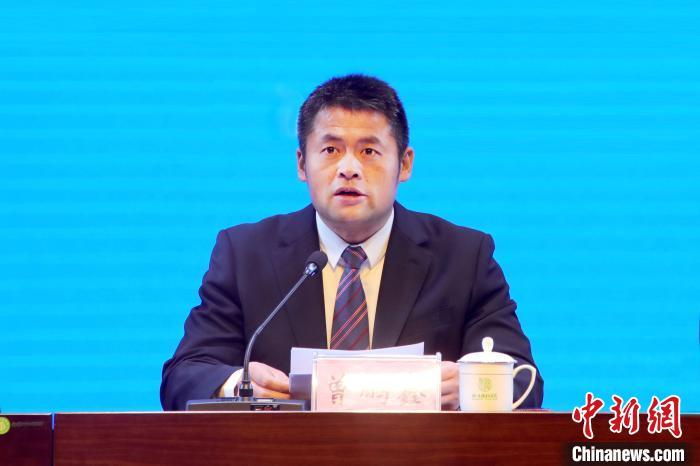 图为广西人大代表、横县县长曾鹏鑫。横县宣传部供图