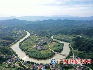融安县雅仕村:美丽乡村正发展